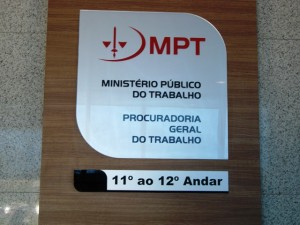 MPT usa do bom senso e máscara da ECT cai