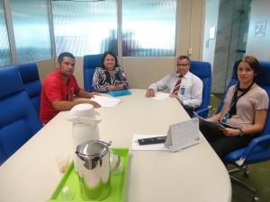 Companheiros participam de reunião sobre Anistia