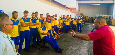 Mobilização do SINTECT/SP com trabalhadores do CDD Tatuí conquistam regularização do atendimento médico
