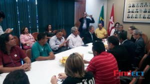 Parlamentares apoiam luta dos Trabalhadores nos Correios
