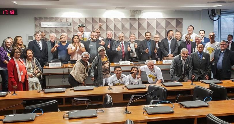 FINDECT defende manutenção dos Correios como empresa pública em audiência no Senado