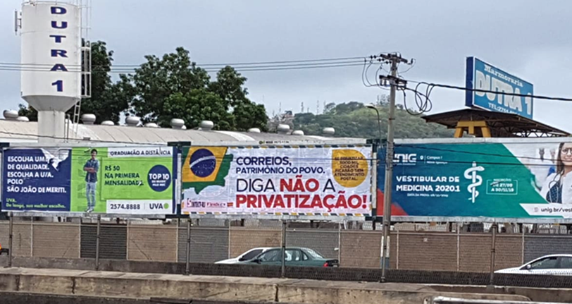 SINTECT-RJ espalha outdoors contra a privatização dos Correios