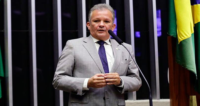 Proposta susta contrato que prevê estudos para a privatização dos Correios